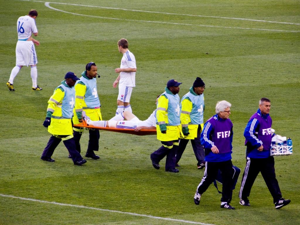 Standar keselamatan pemain sepakbola